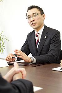 代表弁護士 阪野公夫